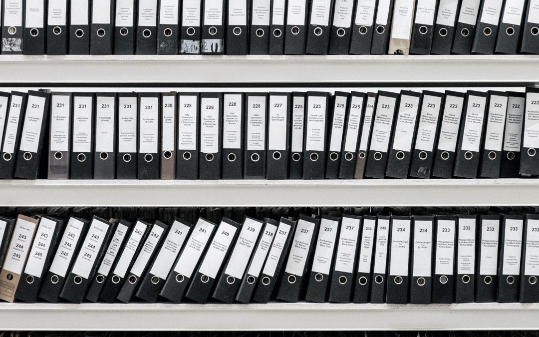 Papierologia, papierologia… Czy faktycznie jest zbędna i czy nadal powinna się tak nazywać?